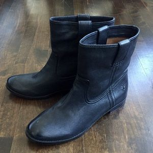 Frye black ankle boots 8